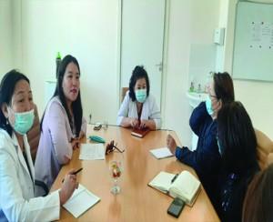 Өмнөговь аймгийн Эх хүүхдийн эрүүл мэнд дэд хөтөлбөрийн хүрээнд Монгол улсын магадлан шинжээч, АУМ, k/n тэргүүлэх зэрэгтэй, kлиниk эм зүйч Ш.Энхтуяа эмчийг урьж сургалт зохион байгууллаа
